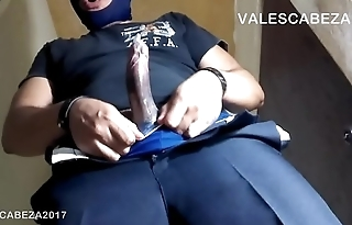ValesCabeza124 AMAZING CONDOM FULL in SPEEDO condon lleno de mocos en speedo y uniforme