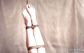 Suspension jute tied legs in lingerie