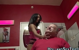 Hooker bangs old tourist