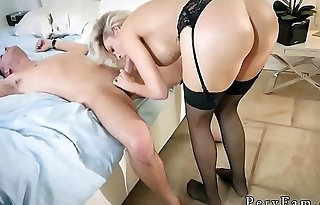 Mom friend'_s lady ass to mouth Romantic Family Dinner