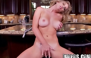 Mofos - Shes A Freak - (Ainsley Addison) - Cum in the Kitchen